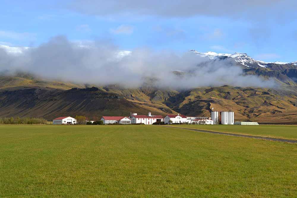 Þorvaldseyri and Eyjafjallajökull behind